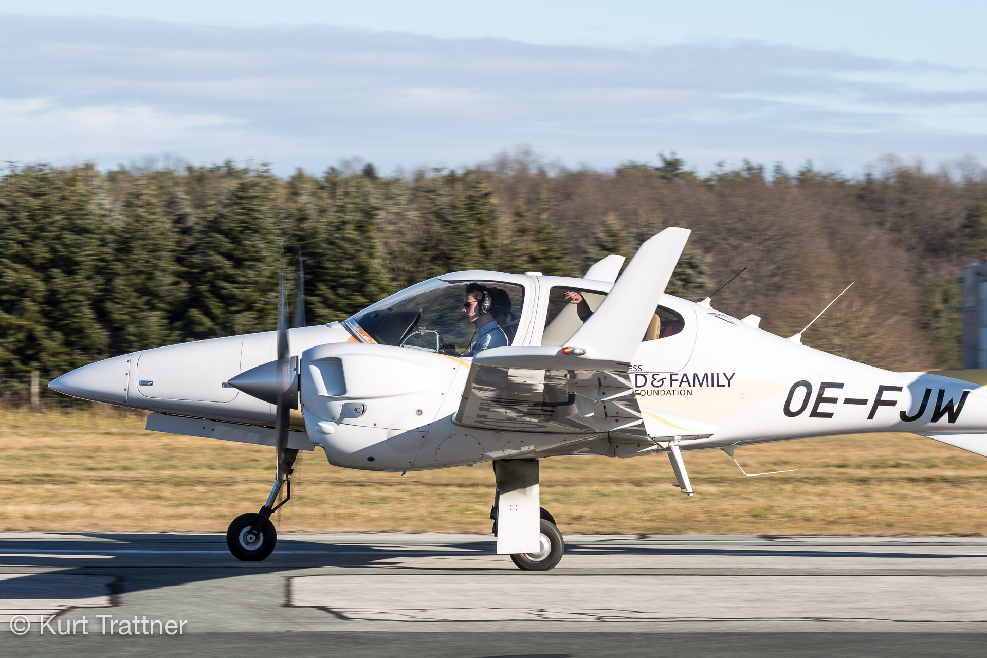 OE-FJW at LOGG on 31.12.2017