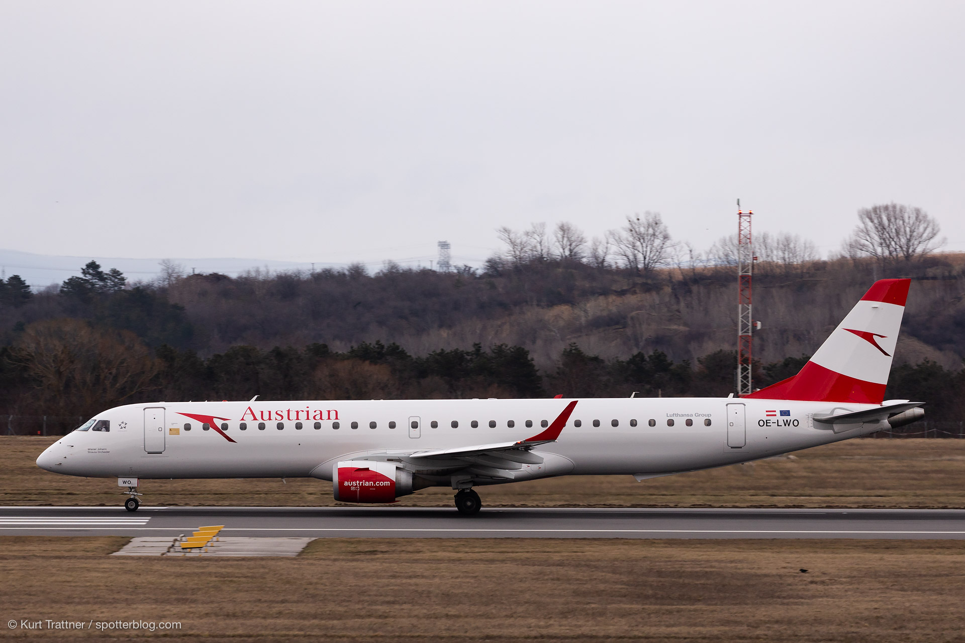 OE-LWO at LOWW on 06.01.2019